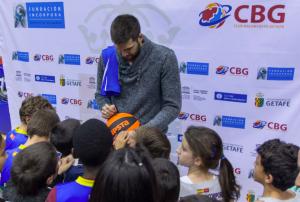 Felipe Reyes Getafe firma autográfos